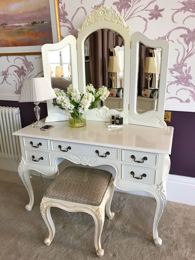 Pretty dressing table