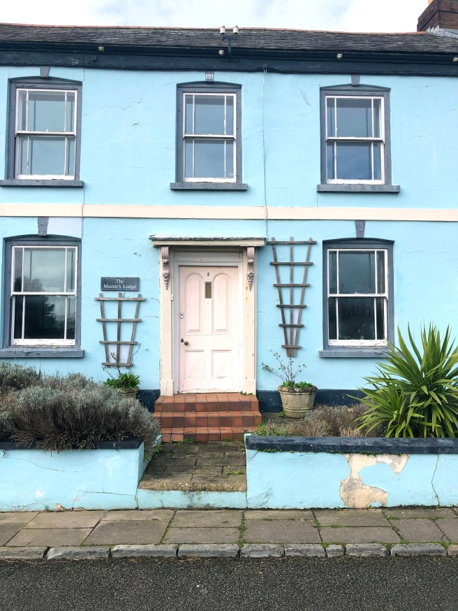 Blue house Appledore