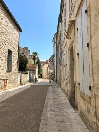 Saintes Blue shutter